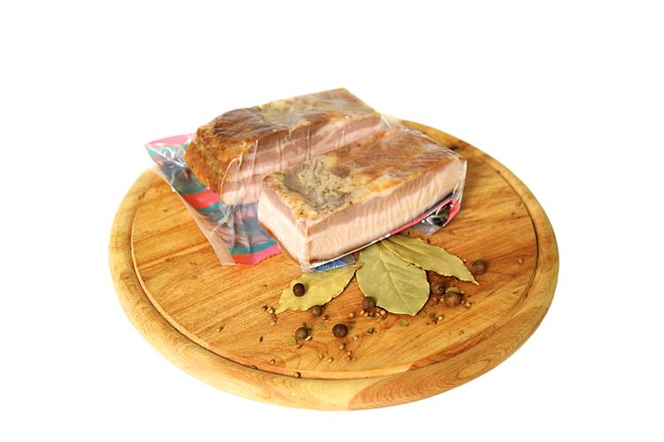 Продукт из свинины копчено-запеченный «Грудинка»